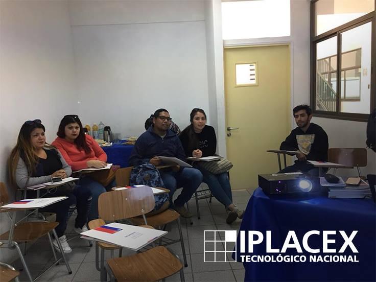 INJUV e IPLACEX potencian el diálogo a través de un Desayuno Público
