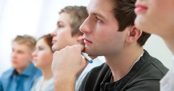 Conoce los posibles beneficios legales para estudiantes trabajadores