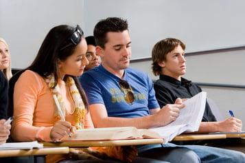 3 ventajas de estudiar presencial en jornada vespertina