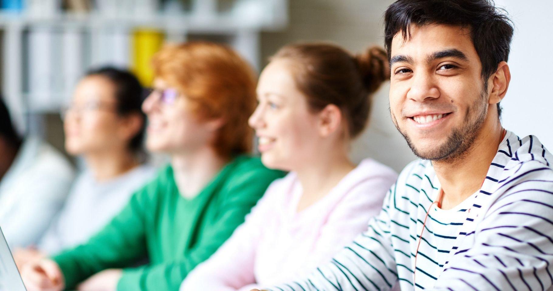Las facilidades que IPLACEX ofrece a trabajadores que estudian presencial