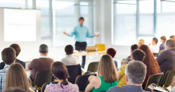 5 opciones de cursos y diplomados para ascender en el trabajo