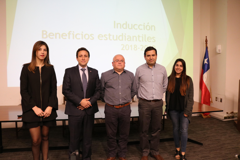 IPLACEX EXPUSO LOS BENEFICIOS DE ESTUDIAR A FUNCIONARIOS DEL MINISTERIO DEL TRABAJO