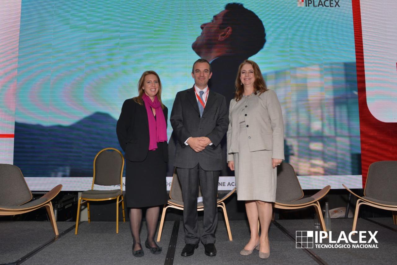 IPLACEX EN LA PRENSA: VIDA SOCIAL EL MERCURIO