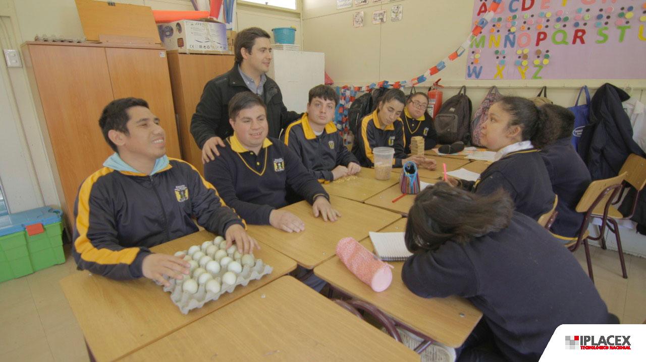 JEFE DE CARRERA IPLACEX TALCA FINALISTA DEL GLOBAL TEACHER PRIZE 2019